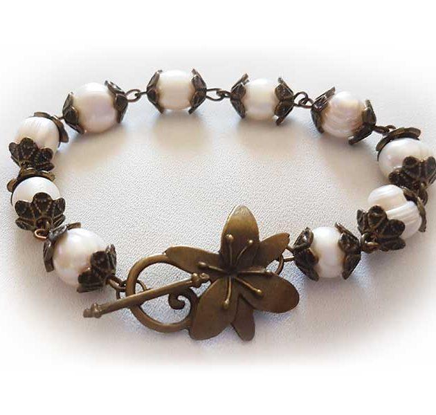 leias-gems-bronze-bracelet
